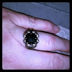 Black faux diamond skull and crossbones ring sz 6